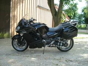 Kawasaki 1400 GTR 002.jpg