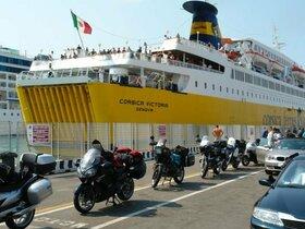 Fähre in Livorno