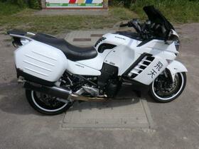 KAWA GTR 1400-02.jpg